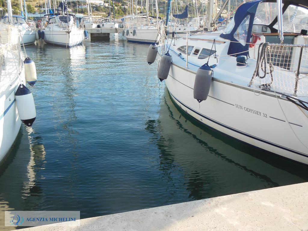 Rif. 132 - Vendita posto barca mt. 9,30 x 3,20 con posto auto in concessione fino al 31.01.2053.