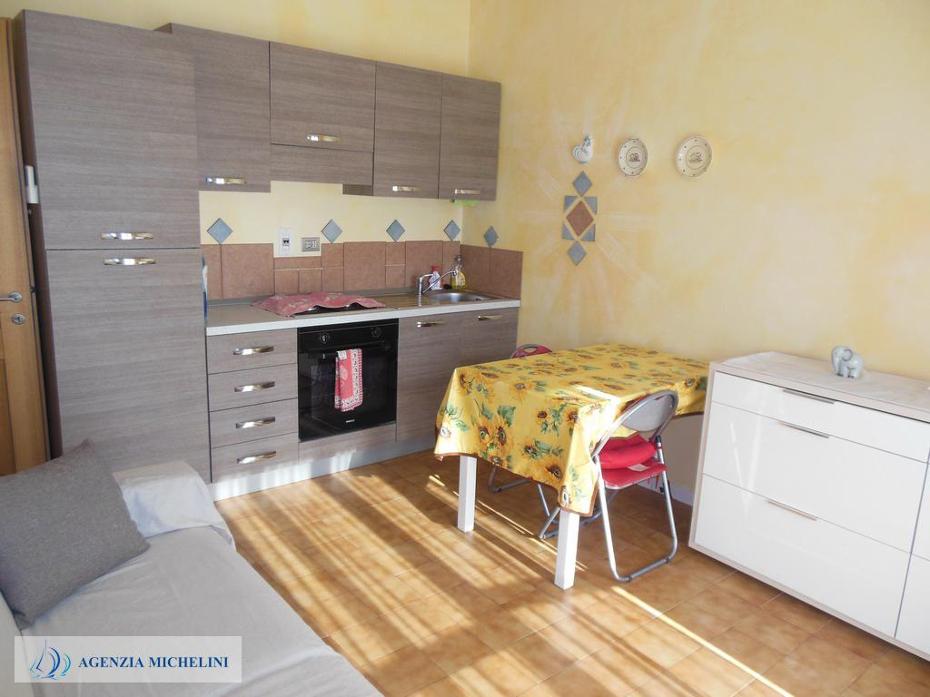 Ref. 005 - Two-room apartment with large livable terrace and garage property.
