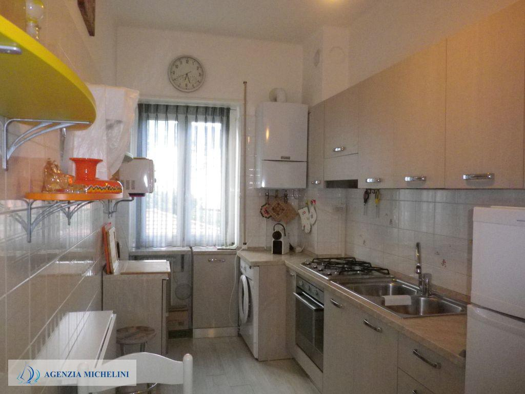Rif. 072 - Bilocale con cucina separata ristrutturato.