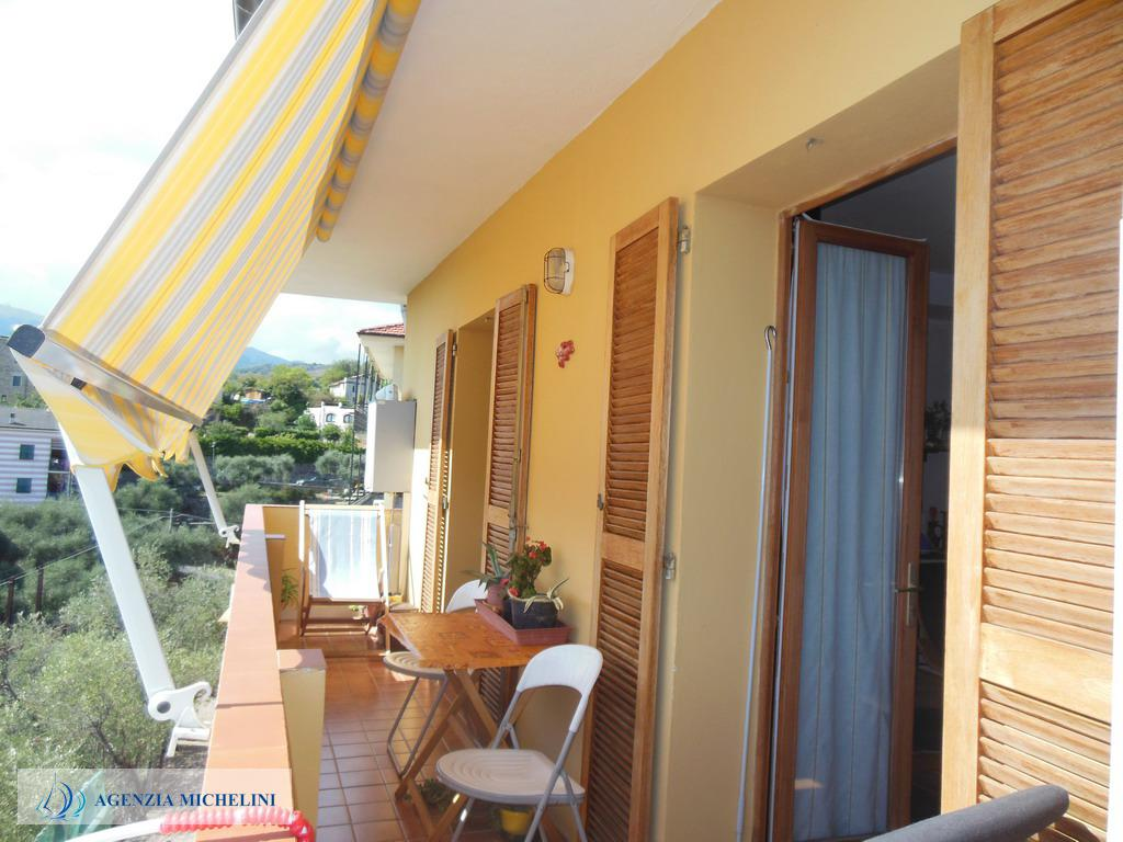 Ref. 024 – Spacious one bedroom apartment with sea view balcony and garage property